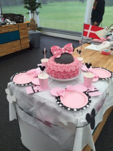 minnie_mouse_cake1