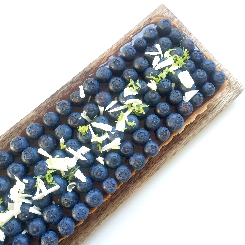 Blåbærtærte med lime og chokolade - Ditte Julie Jensen