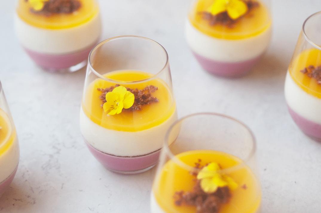 Moussedessert I Glas Med Skovbær Champagne Og Mango Ditte Julie