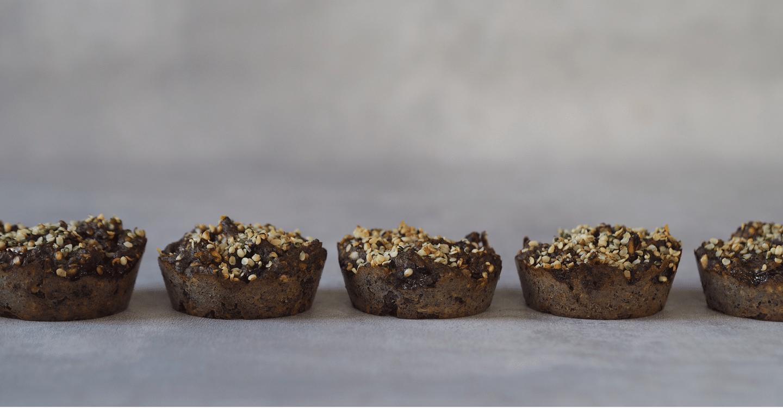 glutenfri snacksrugbrød hampefrørugbrød hampefrø