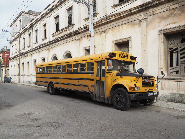 b24-cuba-rejse-havana-bus