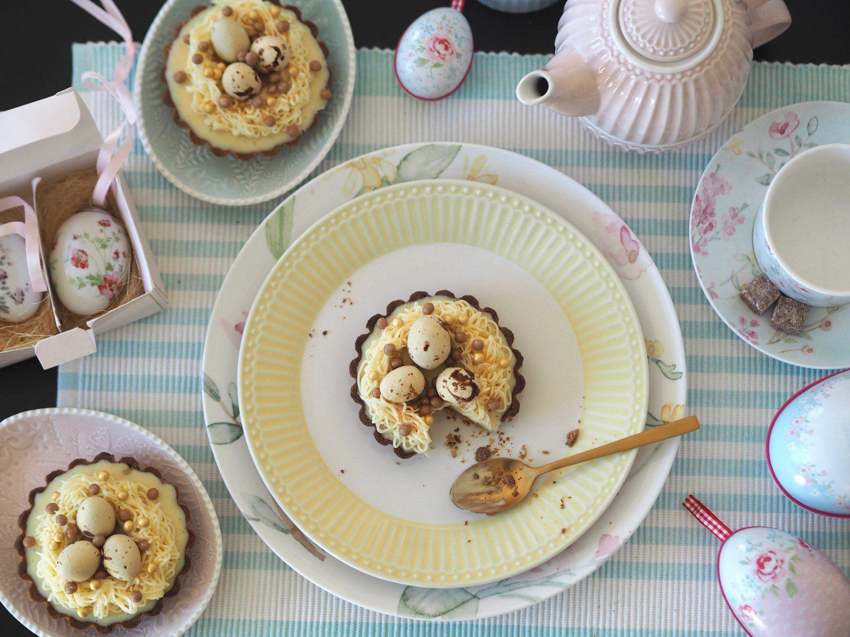 påsketærter tærte påskeæg stel opdækning