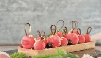 amarena-kirsebaermousse julekage